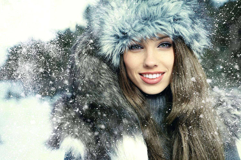 Картинки девушка зимой волосы